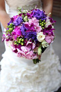 Purple wedding flowers #weddings #weddingflowers