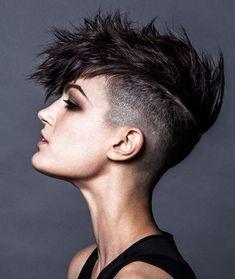 Beste 12 Mohawk Frisuren für Männer und Frauen