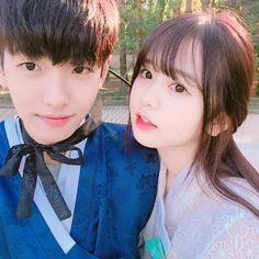 Ulzzang Couple, Ulzzang Boy, Korean Couple, Korean Girl, Cute Couples Goals, Couple Goals, Pretty Girls, Cute Girls, Best Friend Goals