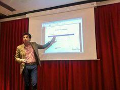 En una sesión de redes sociales en Fnac Málaga, marzo de 2014.