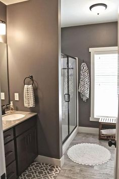 What Color To Paint Small Bathroom