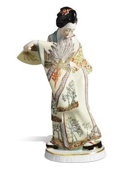 Japanerin mit Fächer, H 22 cm