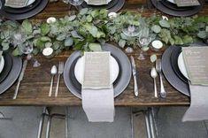 couleur sobre, beaucoup de déclinaisons possibles : le total look GRIS pour un mariage