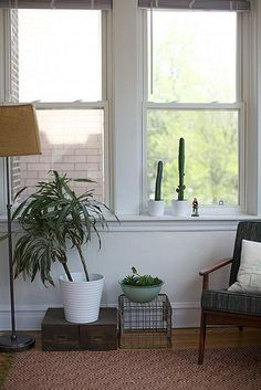 Apartment Decorating is easy when you keep it simple and clean.   Need an apartment in Southern New Hampshire?  Let Red Oak Apartment Homes Help.  www.redoakproperties.com  #redoaklife