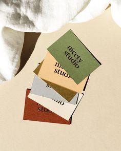 Tarjeta ideas Beard h beard montreux Identity Design, Collateral Design, Stationary Design, Design Blog, Art Design, Logo Design, Graphic Design Branding, Packaging Design, Elegant Business Cards