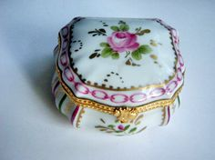 Limoges Porcelain Ceramic Pill box Hand painted Rose