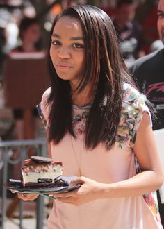 China Anne McClain , wow that looks good in her hand.