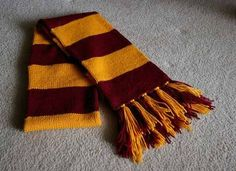 Hogwarts Scarf Free Knitting Pattern | Harry Potter inspired Knitting Patterns, many free knitting patterns | These patterns are not authorized, approved, licensed, or endorsed by J.K. Rowling, her publishers, or Warner Bros. Entertainment, Inc.