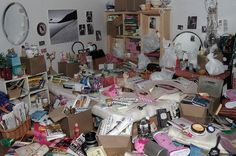 OMG it's Ani's room LOL