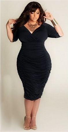 Curvy fashion hourglass, hourglass body shape, hourglass figure, curvy girl fashion, plus Curvy Fashion Hourglass, Curvy Women Fashion, Look Fashion, Hourglass Body, Hourglass Figure, Trendy Fashion, Fashion Black, Hourglass Style, Petite Fashion