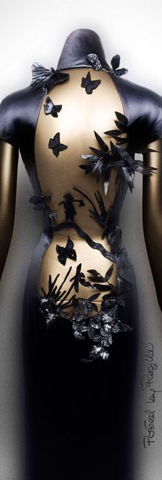Regilla ⚜ Jean Paul Gaultier, autumn/winter 2001-2 Haute Couture