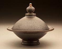 Seth Green, Covered Bowl, 10x10x10 Seth Green, Ceramic Pots, Ceramics Ideas, Clothes Line, Pottery Ideas, Teapot, Jars, Clay, Inspiration