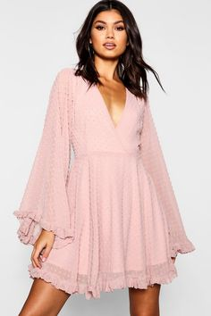 dress For Work party - Dobby Chiffon Wide Sleeve Skater Dress Stunning Dresses, Sexy Dresses, Casual Dresses, Dresses For Work, Dresses With Sleeves, Summer Dresses, Elegant Dresses, Pink Dress Casual, Formal Dresses
