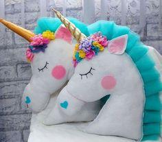 Magical Unicorn by DariaDolls on Etsy Unicorn Cushion, Unicorn Pillow, Felt Crafts, Diy And Crafts, Arts And Crafts, Unicorn Birthday Parties, Unicorn Party, Diy Pillows, Decorative Pillows