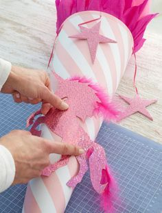 School bags for girls tinker at the beginning of school - DAS HAUS minute crafts for boys for the home room Diy Gifts For Christmas, Diy Gifts For Kids, Crafts For Boys, Diy For Kids, Diy And Crafts, Schultüte Diy, Diy Niños Manualidades, School Bags For Girls, Beginning Of School