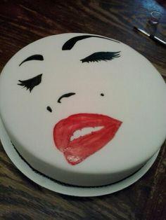 Marilyn Munroe cake