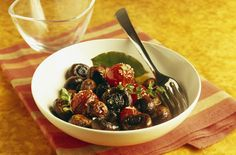 A simple Button mushroom and cherry tomato salad recipe for you to cook a great meal for family or friends. Buy the ingredients for our Button mushroom and cherry tomato salad recipe from Tesco today.