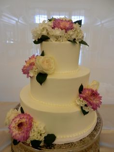 smooth iced wedding cake wwwcheesecakeetcbiz wedding cakes charlotte nc