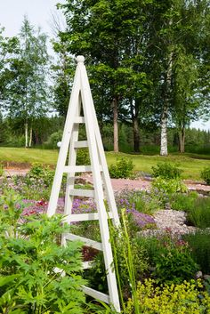 plans and instructions for building a garden obelisk including
