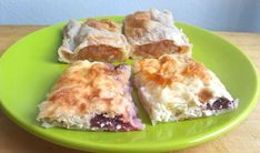 I'm sure many Hungarians have a sweet memory of their grandmothers walking around the kitchen table and stretching briskly and routinely a strudel dough. Veggie Recipes, Gourmet Recipes, Cooking Recipes, Healthy Recipes, Bread Recipes, Cooking Tips, Veggie Food, Croatian Recipes, Hungarian Recipes