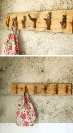Rustic Coat Hanger  Looking at this inspiring project, it's not too difficult to imagine a fantastic rustic hanger from recycled wood and tree branches, suitable for redecorating a corner of a room.
