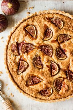 Vegan fig frangipane tart features 'buttery' shortcrust pastry, almond cream filling and juicy figs. Gluten-free and refined sugar-free option included.