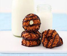 Samoas: galletas de coco, caramelo y chocolate - Recetín