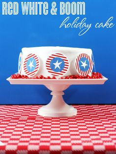 Red, white and blue patriotic holiday cake with FREE printables from blog.thecelebrationshoppe.com