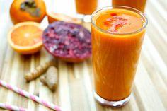 Direkt zum Rezept Der Super C Smoothie mit Kaki und Zitrusfrüchten ist die Vitamin-Bombe für schlappe Tage. Denn es finden sich viele Früchte und Kräuter darin. Zum Beispiel Grapefruit, Blutorange,…