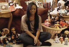 """""""Quando as garotinhas veem suas bonecas, elas gritam felizes 'Olha só o cabelo dela! É igualzinho ao meu.'"""" Neste texto, fica evidente a importância das crianças possuírem bonecas que se pareçam elas. A indústria brasileira de brinquedos e a publicidade têm sido eficiente em representar a diversidade das nossas crianças?"""