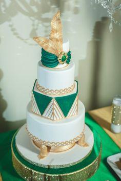unique emerald green #gold and white wedding cake