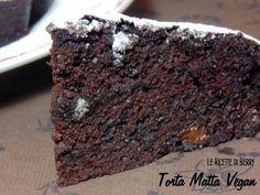 Torta Matta al Cioccolato Senza Uova, Latte e Lievito La torta che vi presento oggi è matta davvero: pochissimi ingredienti, pochissimi grassi, ...