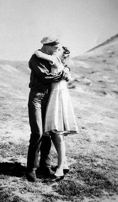 '1940's Kiss'    That Sentimental Feeling