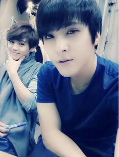 #BEAST Son Dongwoon, Picture With Member Yang Yoseob 'Like Brothers' More: http://www.kpopstarz.com/articles/69344/20131213/b2st-son-dongwoon-picture-with-member-yang-yoseob-like-brothers.htm