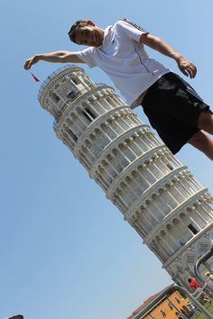Pisa, another fun pose Italy Trip, Italy Travel, Pisa, Cool Poses, Tuscany, Places To See, Travelling, Tower, Fun