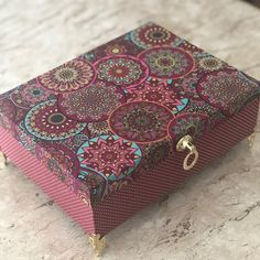 Wood Box Design, Gift Box Design, Fabric Covered Boxes, Decoupage Box, Altered Boxes, Mini Scrapbook Albums, Baby Sewing, Wooden Boxes, Painting On Wood