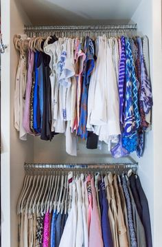 A few weeks ago, I shared with you my Master Closet Organization with Tonia Tomlin of Sorted Out. Today, Tonia is sharing 10 Tips To Organize Your Closet Like a Pro. Closet Hacks, Closet Organization, Closet Ideas, Organization Ideas, Storage Ideas, Closet Rod, Kid Closet, Garage Sale Tips, Diy Clothes Videos