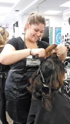 Yarixa Melendez-Rivera cuts hair for a cause