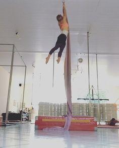 New transition into salto! Aerial Acrobatics, Aerial Dance, Aerial Silks, Aerial Hammock, Aerial Hoop, Aerial Arts, Aerial Classes, Yoga For Stress Relief, Circus Art