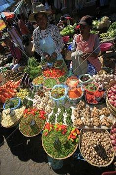 Madagascar, Antananarivo, spices and vegetables at market
