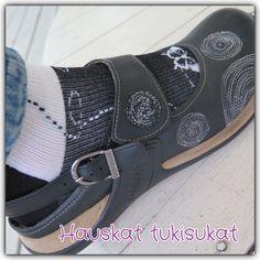 kuviollinen tukisukka perhonen Wedges, Sneakers, Shoes, Fashion, Tennis, Moda, Slippers, Zapatos, Shoes Outlet