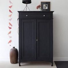 Vintage Antique Cabinet Vertiko Black Painted Decorating Set Up Living Room - - Diy fotowand - Painted Furniture, Home Furniture, Black Furniture, Family Furniture, Antique Furniture, Antique Chairs, Painted Armoire, French Furniture, Luxury Furniture