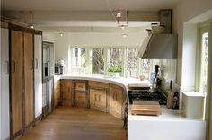 Décoration : Un cottage moderne né d'une catastrophe - Une cuisine moderne