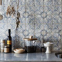 Duquesa Fatima Decorative Field Tile Interior Exterior, Kitchen Interior, Kitchen Decor, Interior Design, Decorating Kitchen, Kitchen Themes, Interior Ideas, Kitchen Ideas, Floor Tile Grout