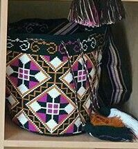 Tapestry Bag, Tapestry Crochet, Bead Crochet, Filet Crochet, Tribal Patterns, Diy Projects To Try, Cross Stitch Embroidery, Needlework, Purses