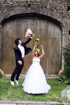 Paper Flower Decor, Large Paper Flowers, Giant Paper Flowers, Big Flowers, Flower Crafts, French Wedding, Diy Wedding, Dream Wedding, Wedding Ideas