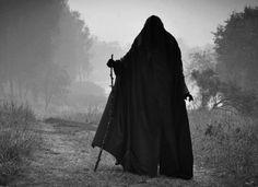 black forest shAdow Witch darkness gothic wicca Sorceress druid the-sorceress Vampires, Photo Chat, Grim Reaper, Samhain, Dark Fantasy, Occult, Dark Art, Dark Side, The Darkest