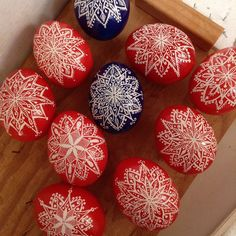 It's beginning to look a lot like Christmas! #pysanky #pysanka #snowflake #ornaments #avlart #red #blue