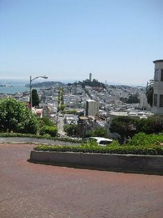 Lombard Street (San Francisco) - 2020 All You Need to Know Before You Go (with Photos) - San Francisco, CA Lombard Street, San Francisco Travel, San Francisco California, Tile Steps, Plan My Trip, Historical Landmarks, Future Travel, Places To Travel, Paris Skyline