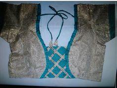Saree Blouse Neck Designs, Saree Blouse Patterns, Designer Blouse Patterns, Dress Patterns, Blouse Desings, Salwar Designs, Rangoli Designs, Neck Pattern, Couture